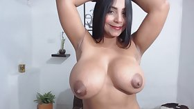 Venezuelan Girl With Beclouded Melons Spreads Her Rear Extirpate
